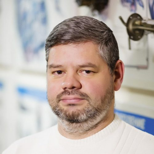 инструктор автошколы автомобилей кат в Александр Сирин
